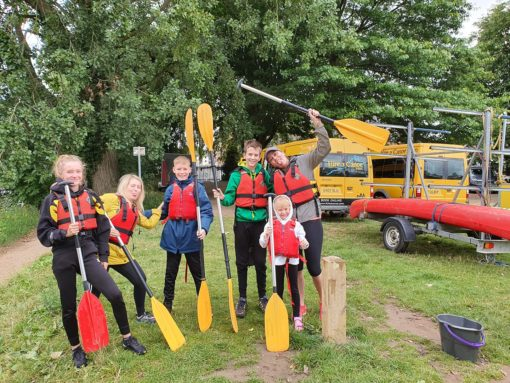 Family canoe hire Frankwell Shrewsbury with Hire a Canoe