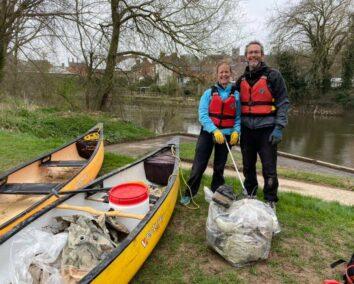 Hire A Canoe Plastic Paddlers Litter Pick Shrewsbury Shropshire